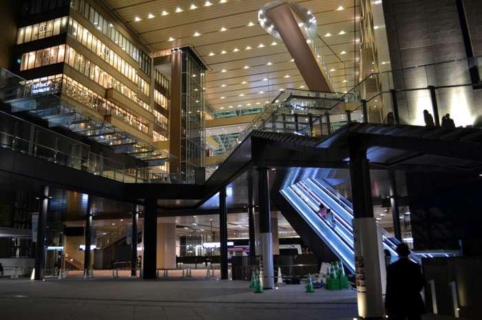 大阪×ぽっちゃり待ち合わせスポット④:アトリウム広場2階